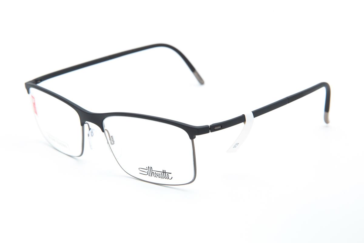 48e5f978a99ee2 Oostenrijks design en ambacht maken de Silhouette-brillen even licht als  stevig. De brillen zijn meestal randloos